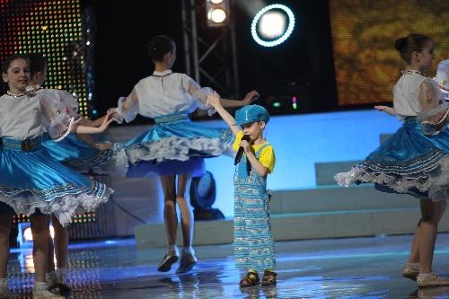 leonid-vavin-on-world-beauty-star-2011-05