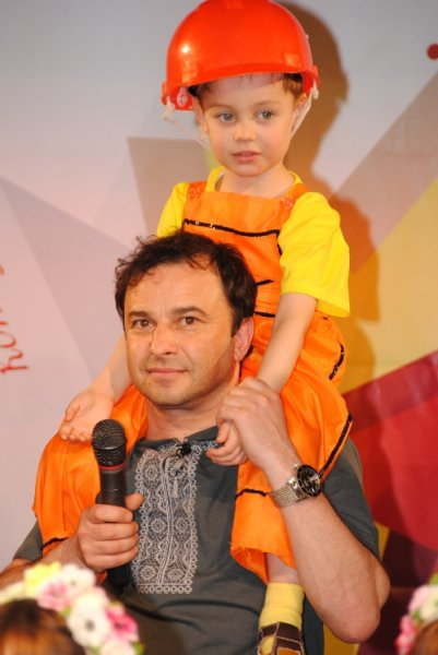 leonid-vavin-on-world-beauty-star-2011-23
